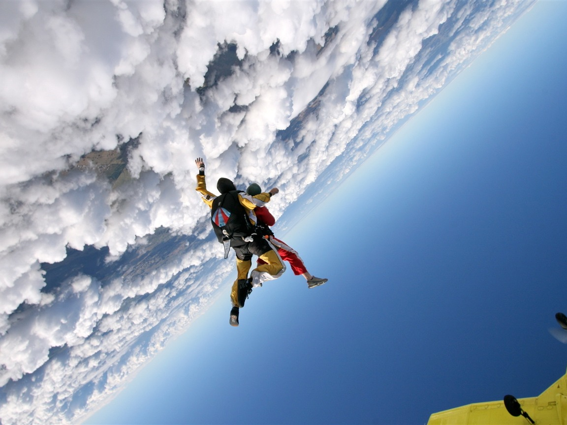 jump clouds sky plane parachutists-Sports HD Wallpaper - 1152x864 wallpaper download
