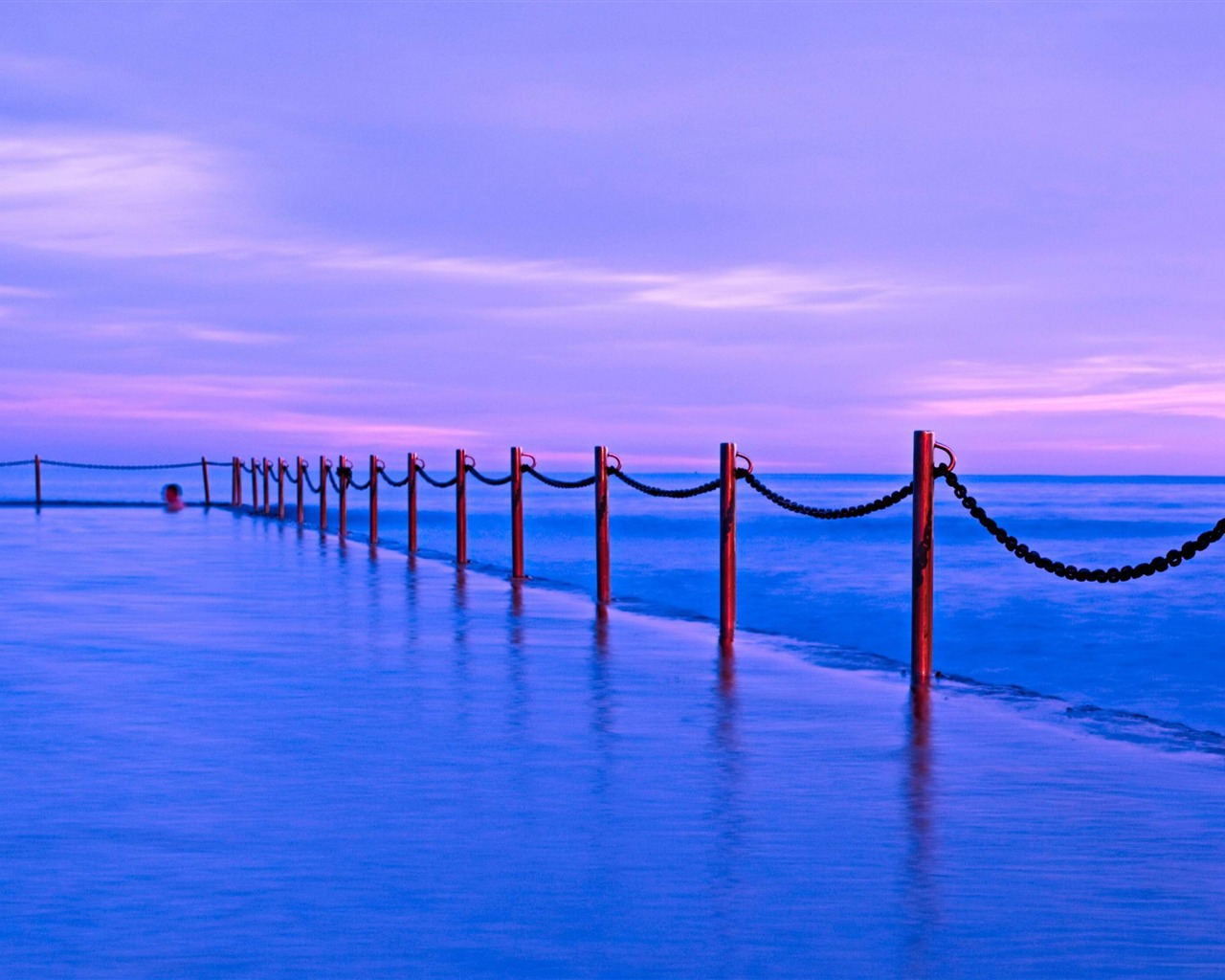 描述: 池中海面-风景高清壁纸 当前壁纸尺寸: 1280 x 1024图片
