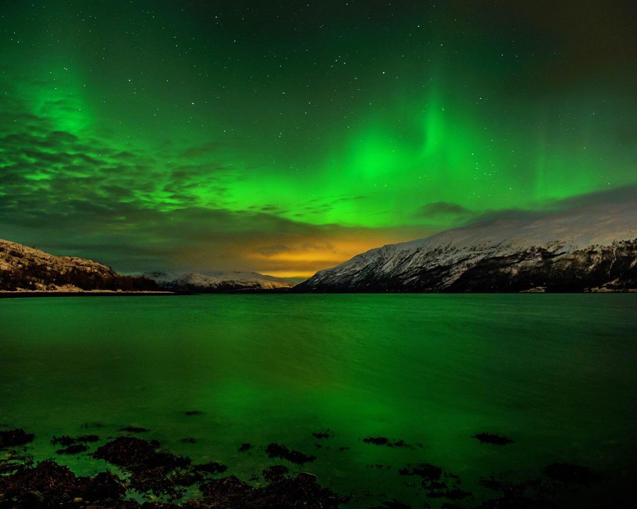 北极光湖-照片高清壁纸 - 1280x1024 壁纸 下载图片