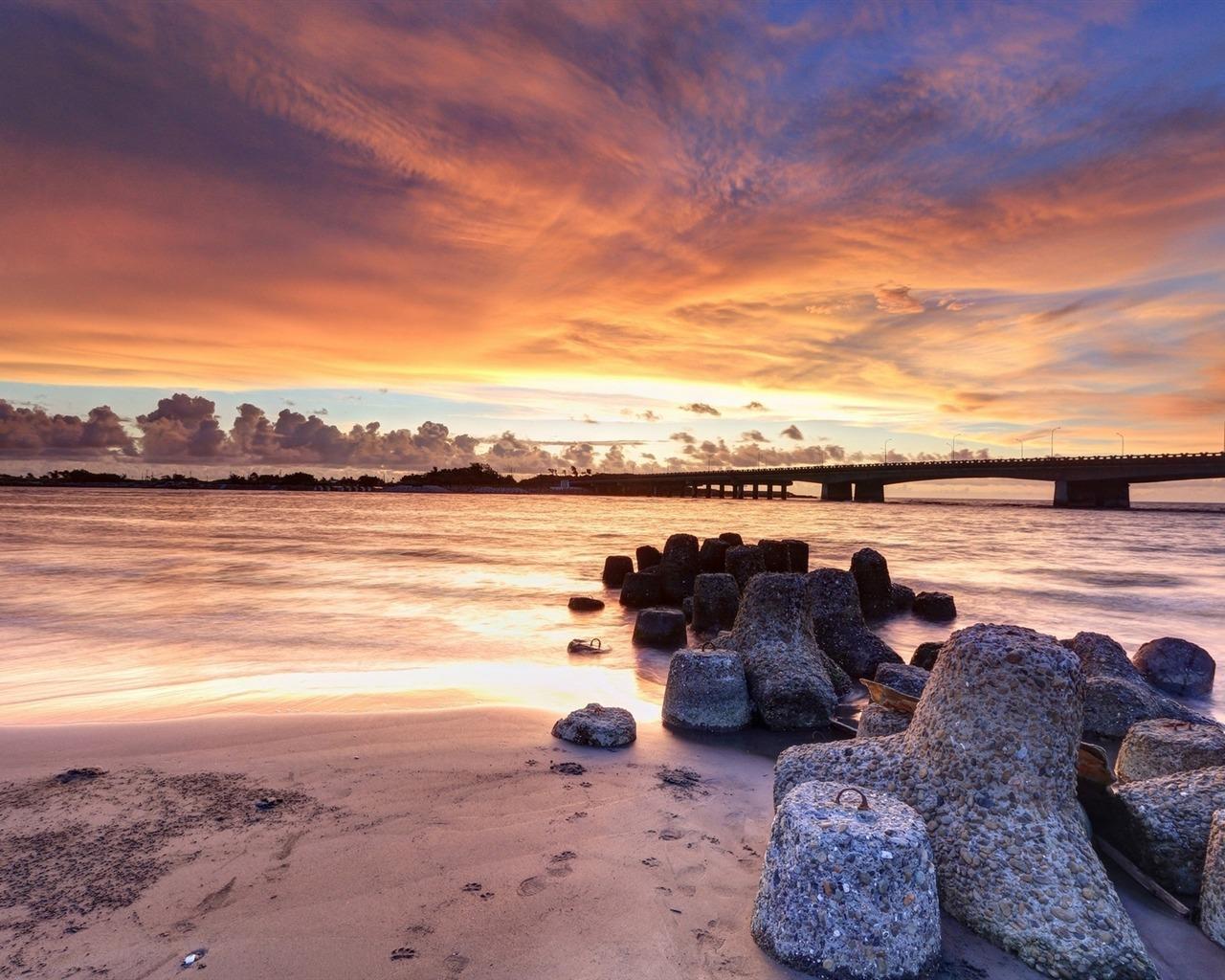 描述: 惊人的晚霞石桥-自然高清壁纸 当前壁纸尺寸: 1280 x 1024图片