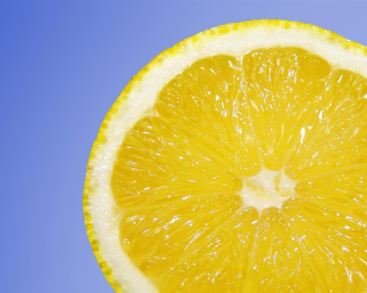 描述: 新鲜的柠檬鲜果-高品质高清壁纸 当前壁纸尺寸: 1280 x 1024图片
