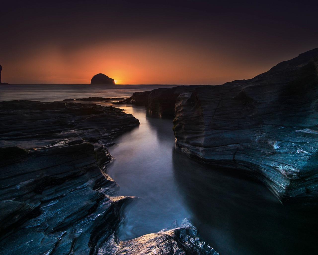 英格兰出行旅游的夕阳-自然摄影高清壁纸 当前壁纸尺寸: 1280 x 1024图片