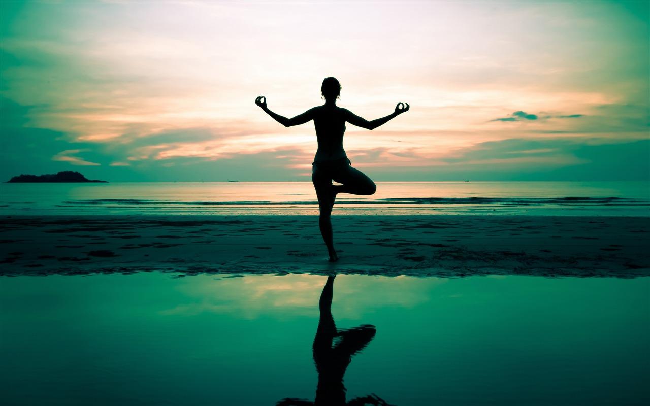 Yoga silhouette beautiful waterside-2016 Sport HD