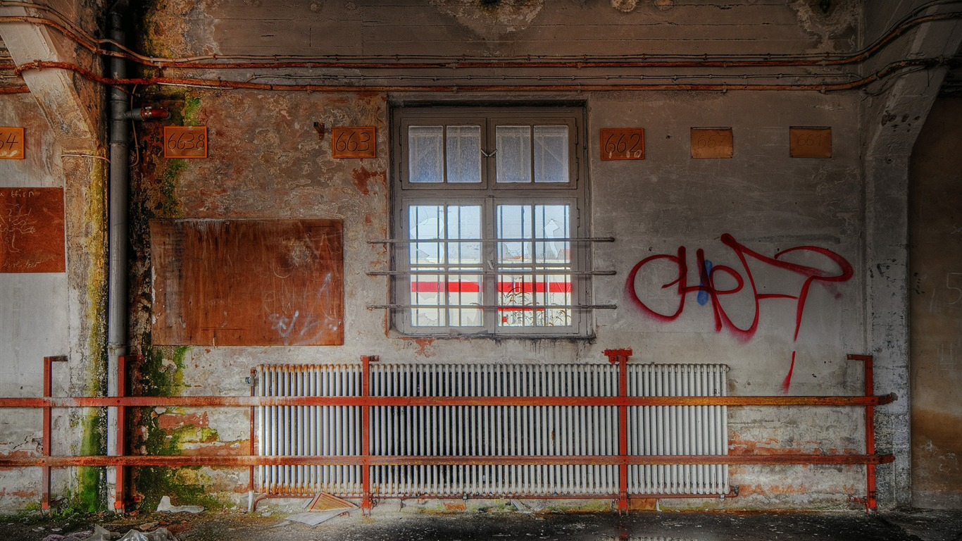 Architecture_ruins_-_Abandoned_Hospital_-_Urban_Exploration