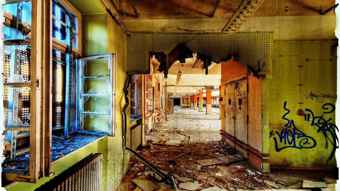 Decayed_Hallway_Empty_Post_Office_-_Urban_Decay_Photography