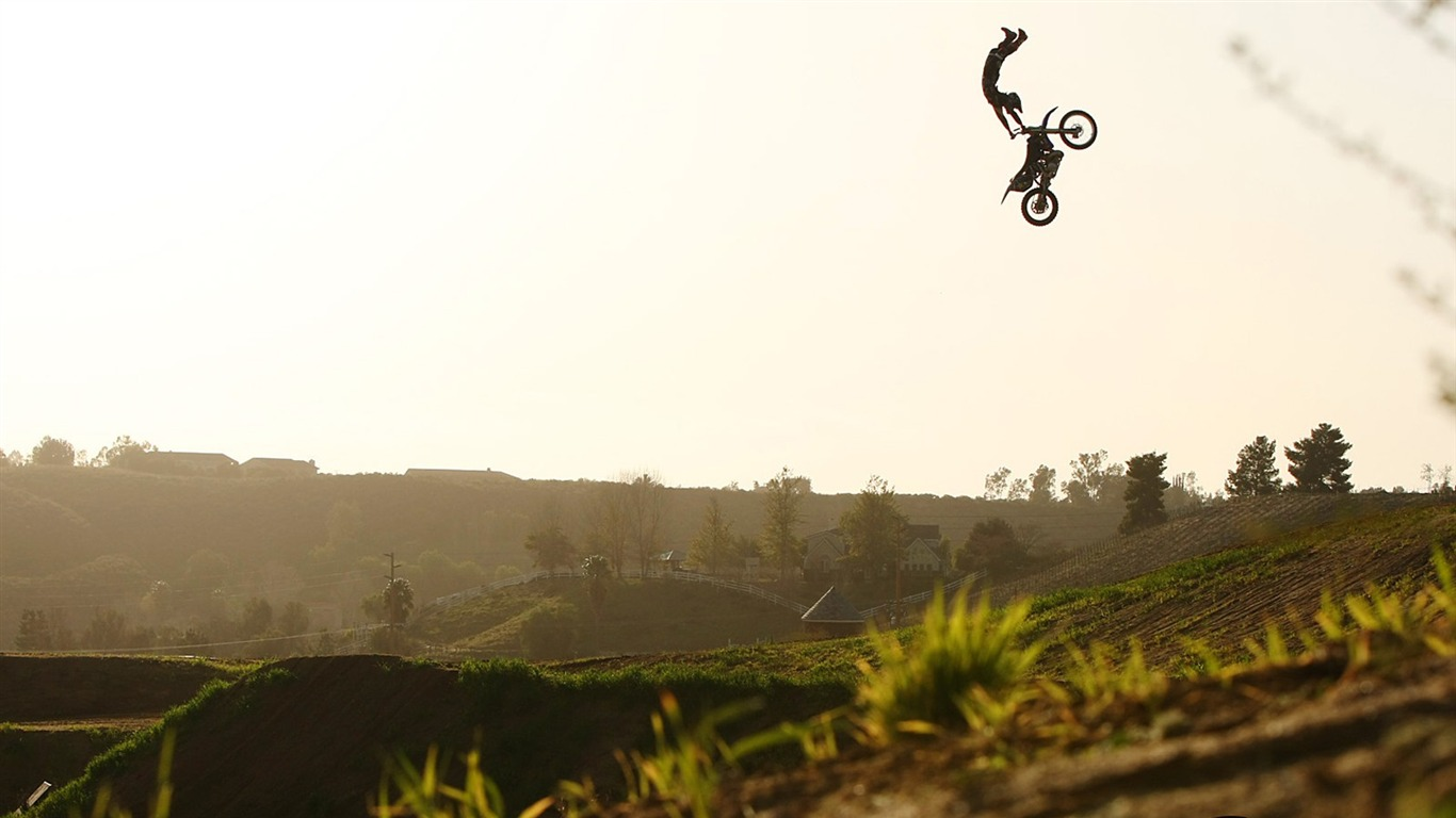 FMX motocross stunt fa...