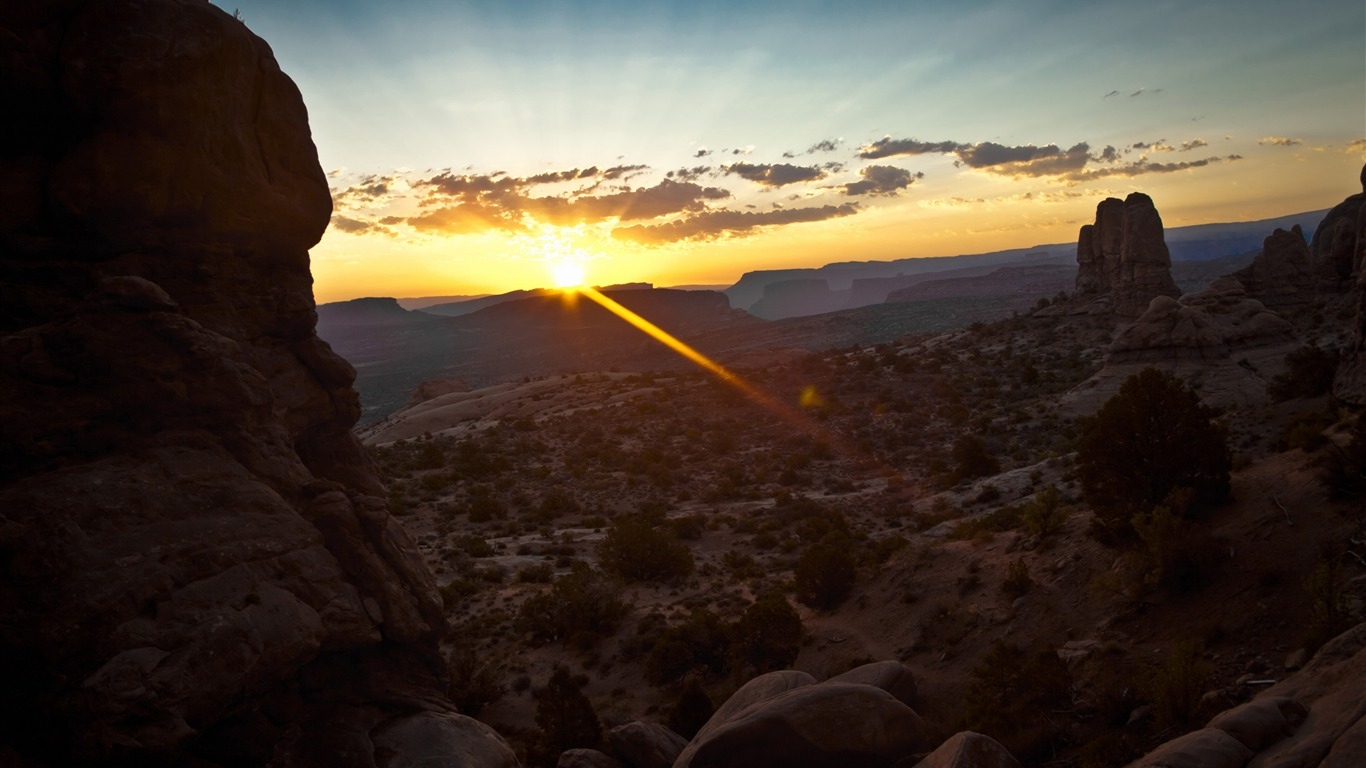 canyon_sunrise-Beautiful_natural_scenery_Desktop_Wallpapers