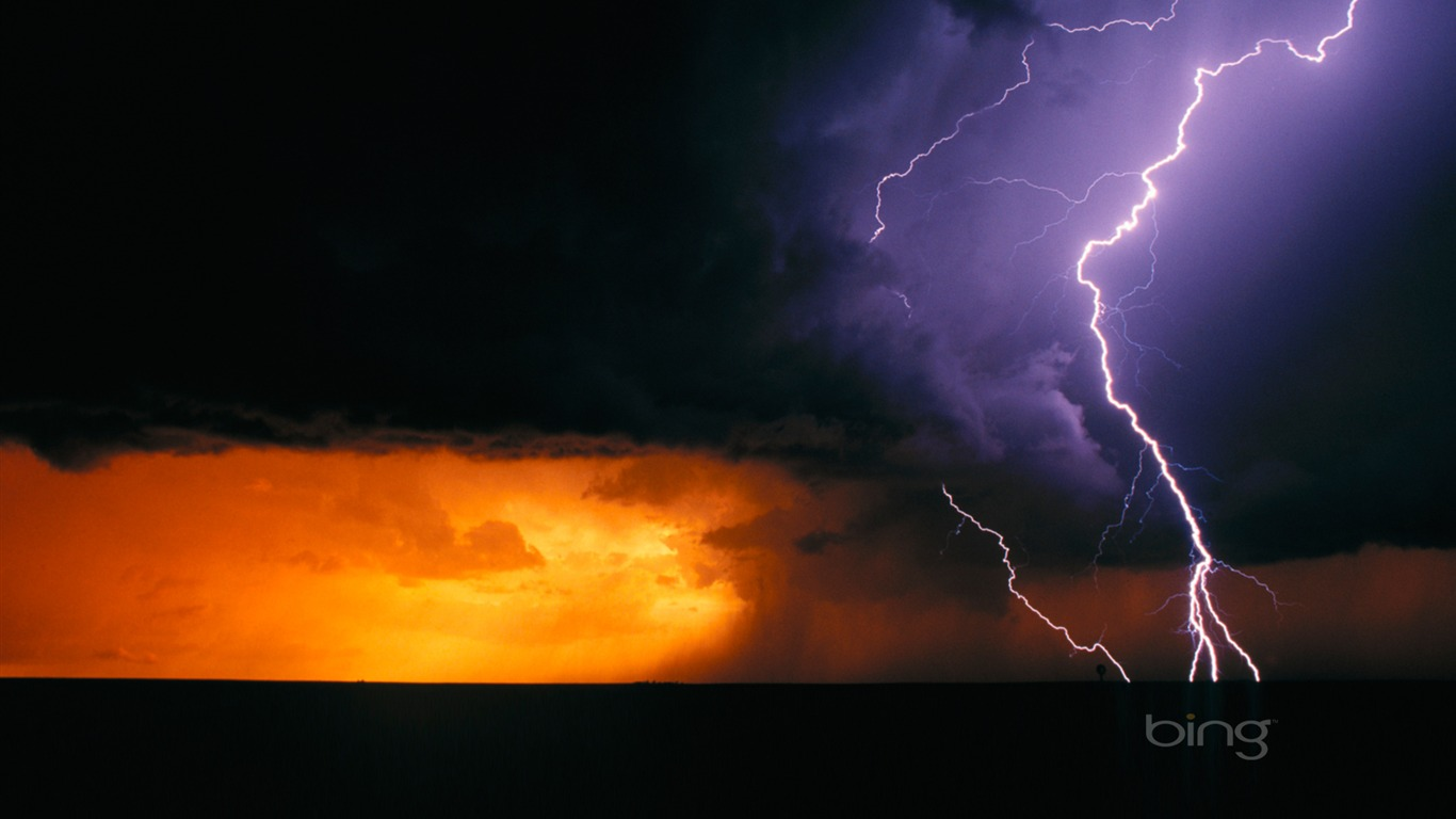 Texas_the_day_of_Lightning-Bing_Wallpaper