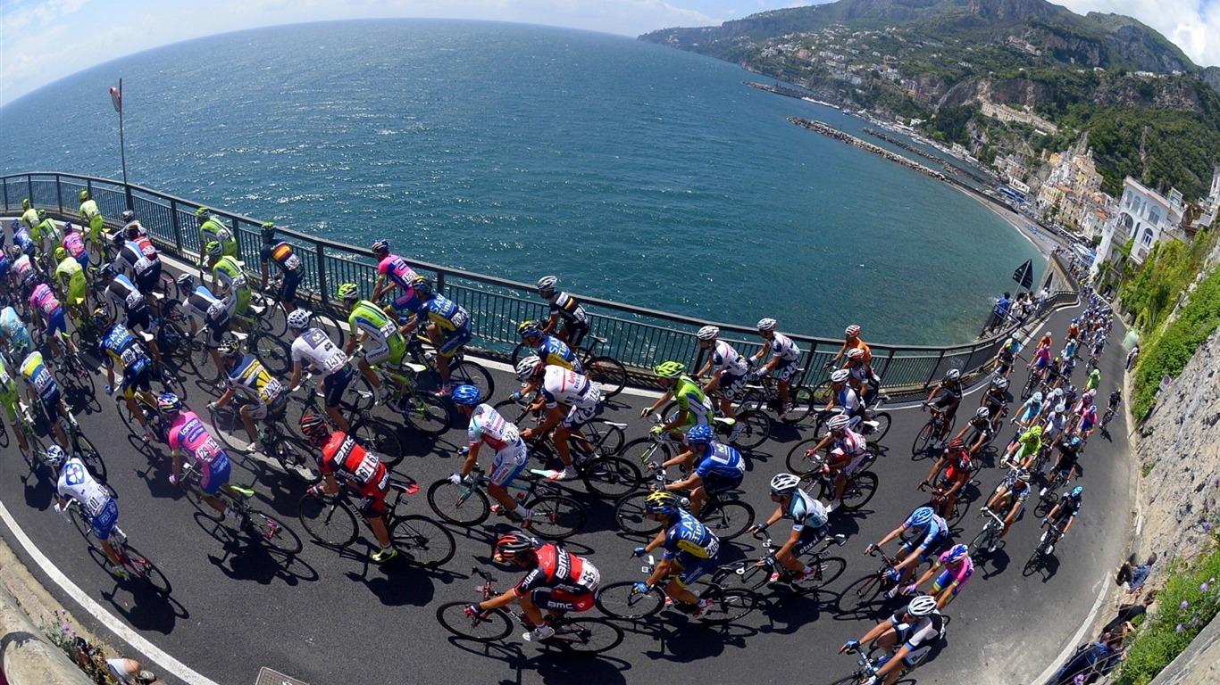 cyclists_mountain_movement-Sports_HD_Wallpaper