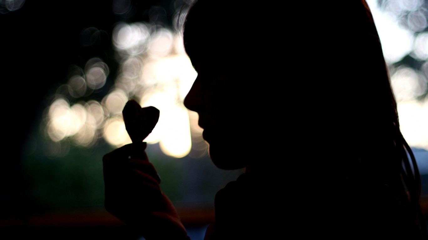 girl_silhouette-Love_HD_Wallpaper