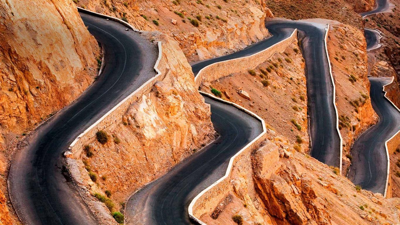 危险的盘山公路-2015 bing主题壁纸