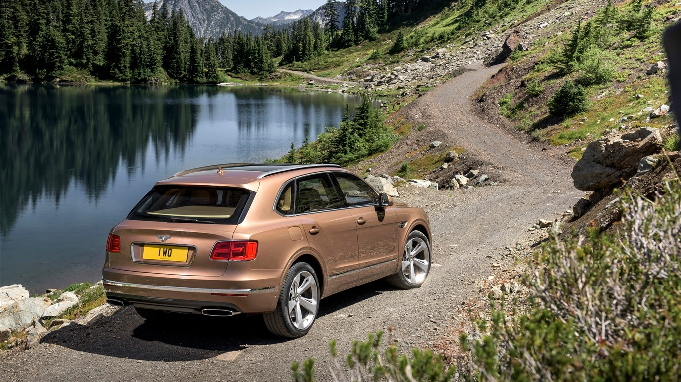 2016_Bentley_Bentayga_Luxury_HD_Wallpaper_02