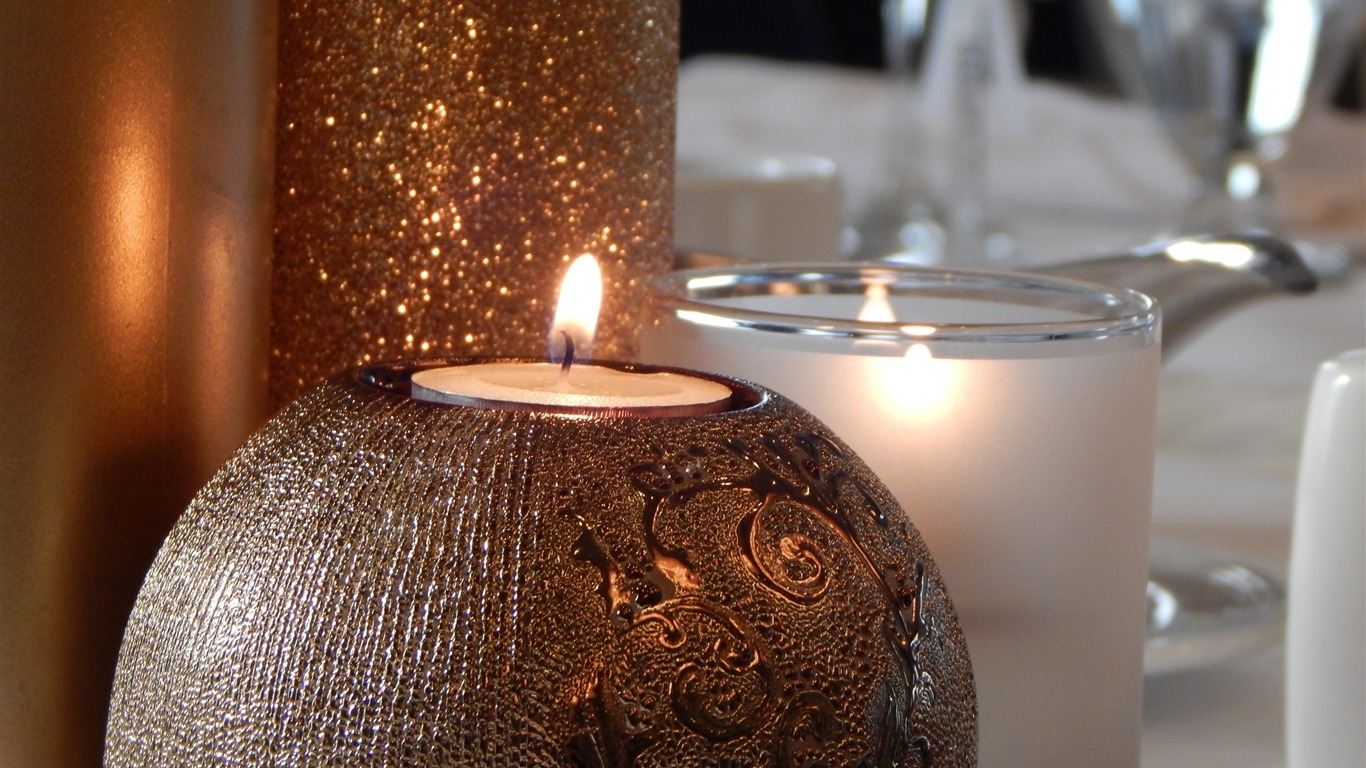 Candle_decoration_glitter-High_Quality_HD_Wallpaper
