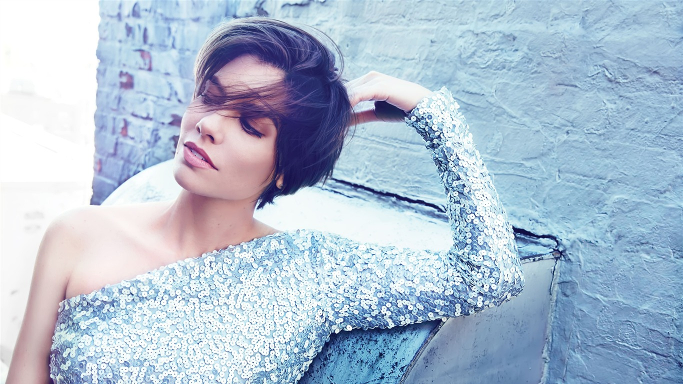Lauren_Cohan-Beautiful_Model_HD_Wallpaper