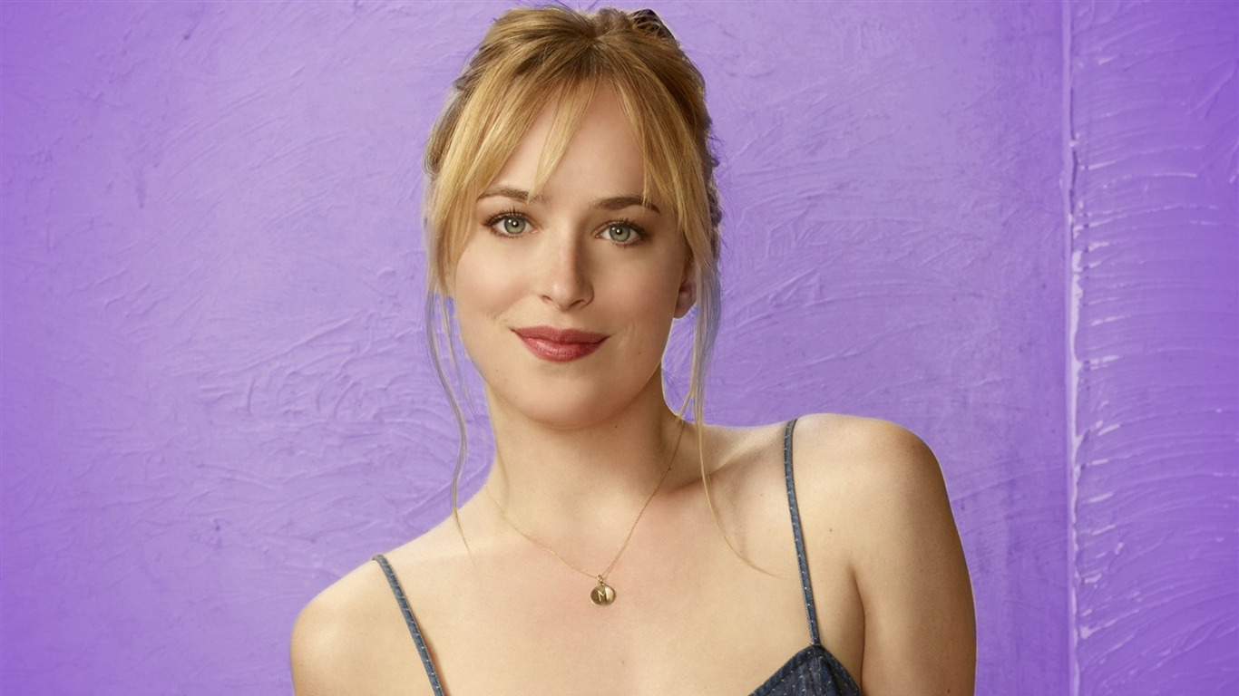 Dakota_Johnson-2017_Beauty_HD_Photo_Wallpaper
