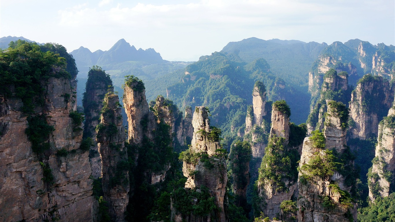 Pandora_Mountains_Rock-Scenery_High_Quality_Wallpaper