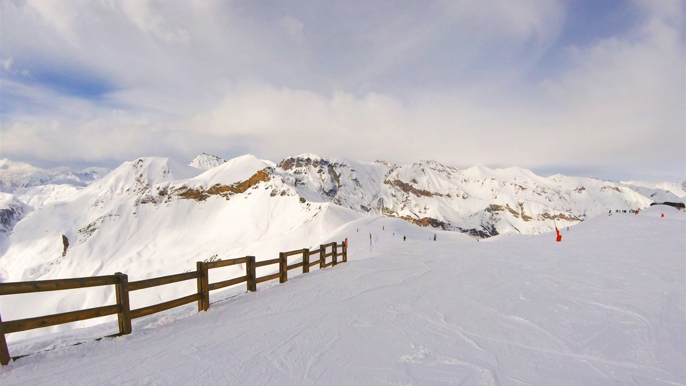 Snow_mountains_summit_winter-Scenery_High_Quality_Wallpaper