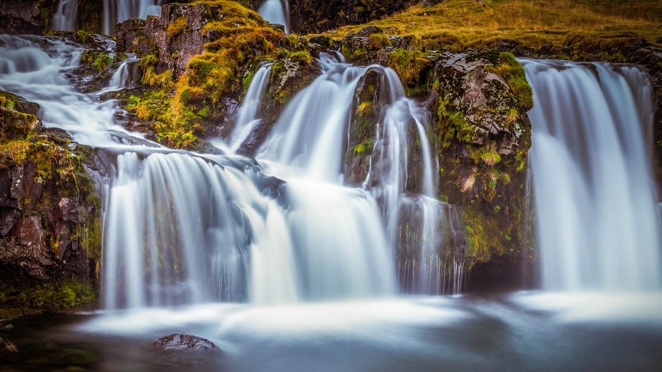 Waterfall_iceland-Scenery_Photo_HD_Wallpaper