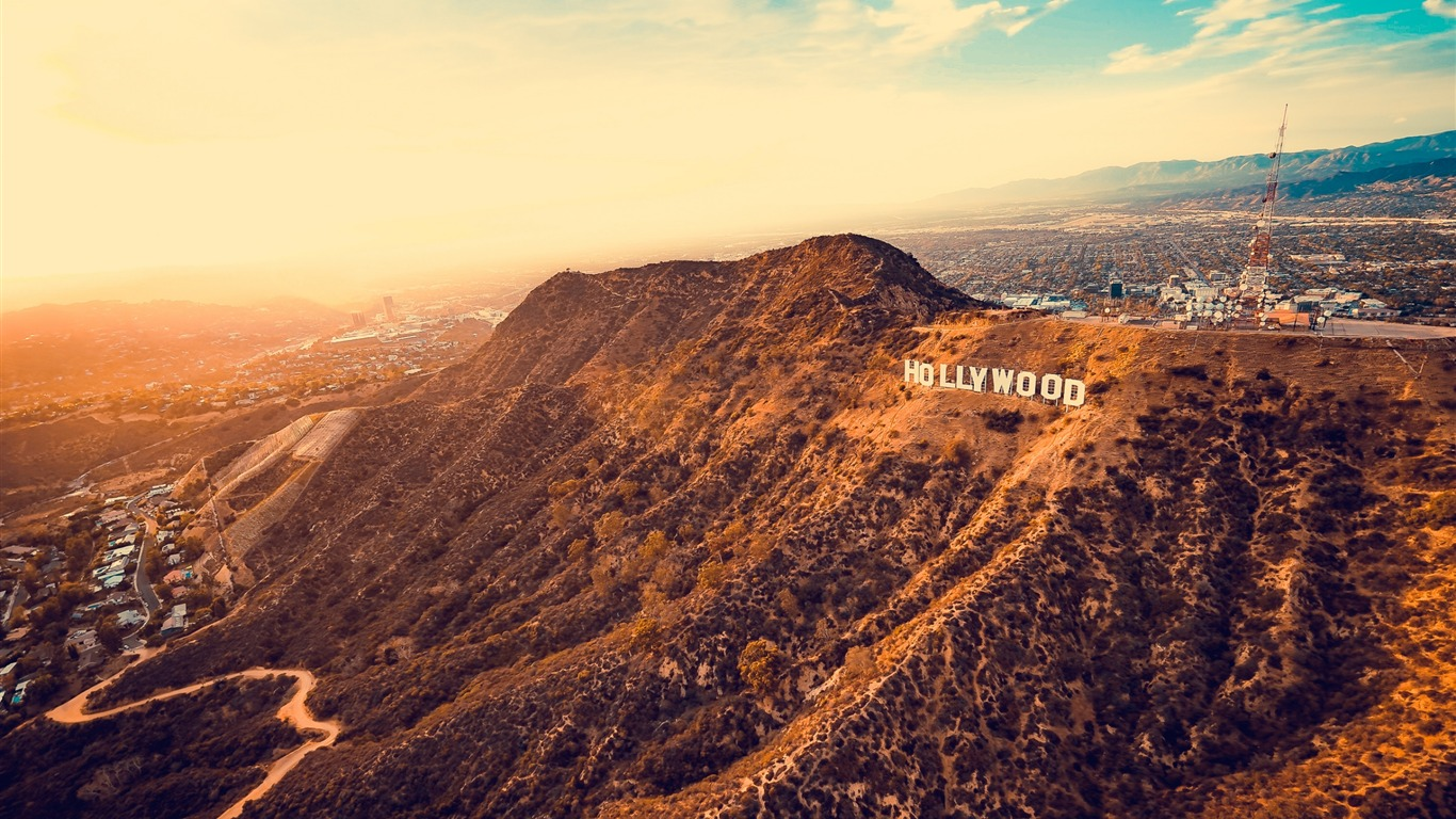 Hollywood_mountains_los_angeles-2017_High_Quality_Wallpaper