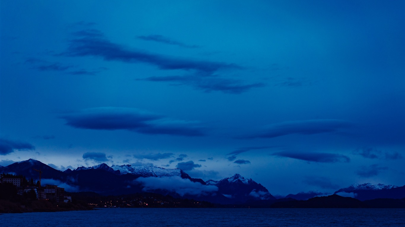 Mountains_sea_sky_night_clouds-Beautiful_landscape_wallpaper