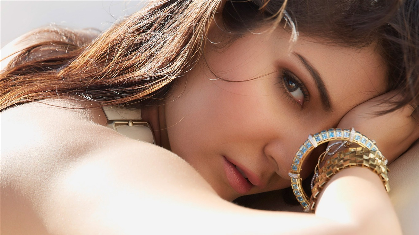 Anushka_Sharma-2017_Beauty_HD_Photo_Wallpaper