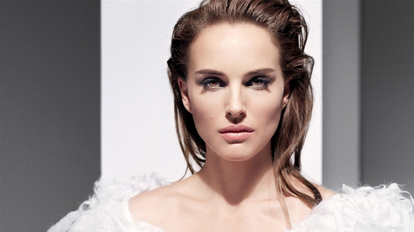 Natalie_Portman-2017_Beauty_HD_Photo_Wallpapers