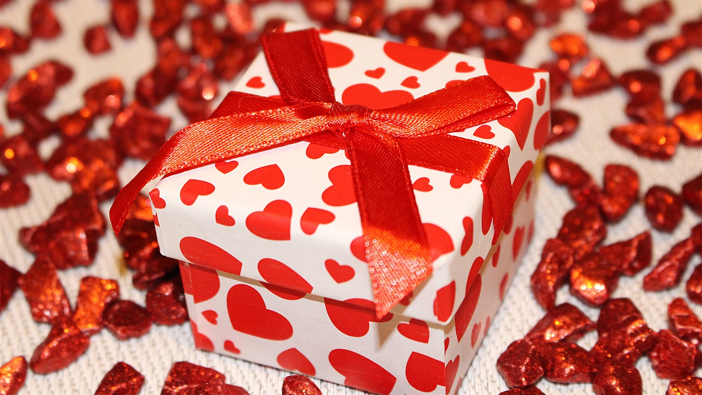 Red_Love_Heart_Gift_Box_Christmas_2018_4K_HD