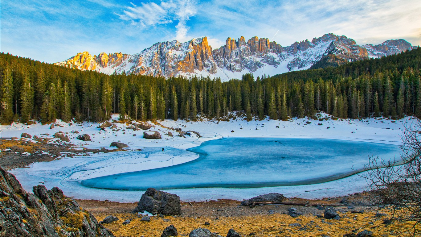 Winter jungle snow mountains frozen lake - 1366x768 wallpaper download