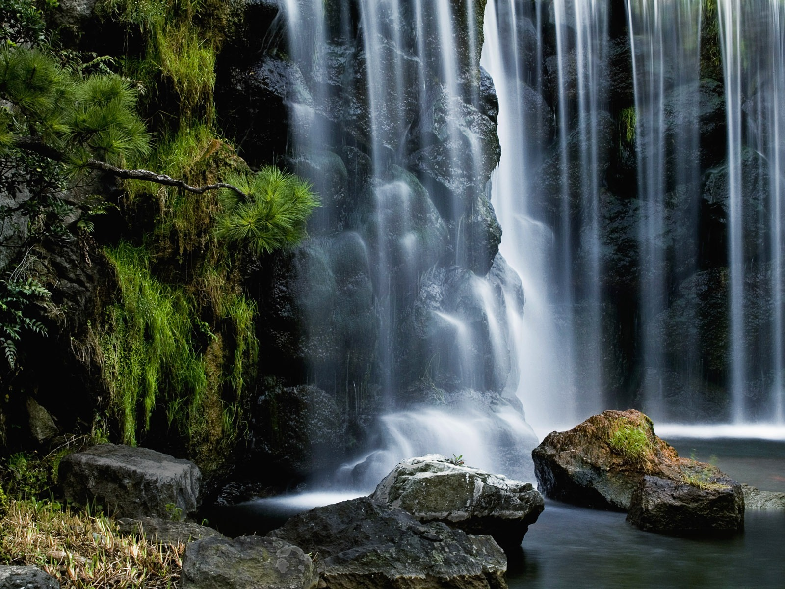 9 Spectacular Hd Waterfall Wallpapers To Download: The Scenic Nature-Spectacular Landscape Wallpaper9