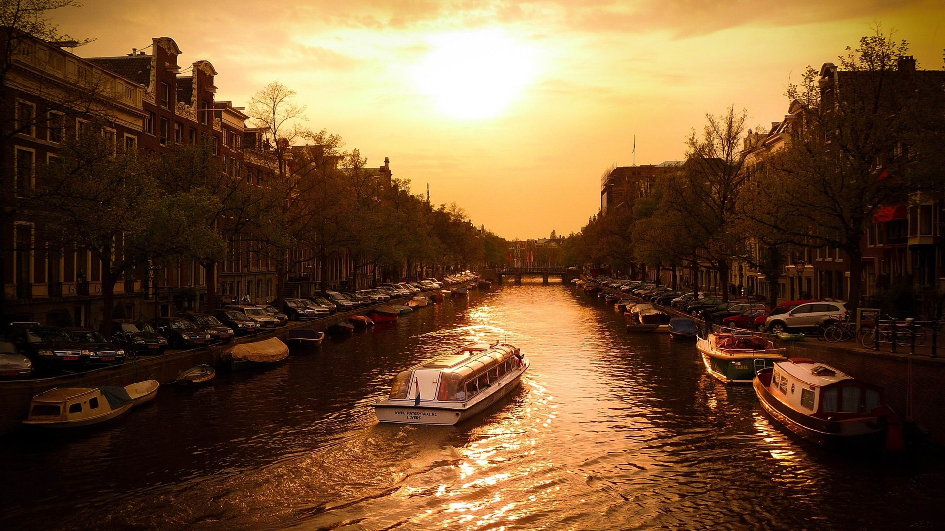 説明: 運河クルーズアムステルダム-オランダの風景 ...: 10wallpaper.com/jp/down/canal_cruise_amsterdam-netherlands...