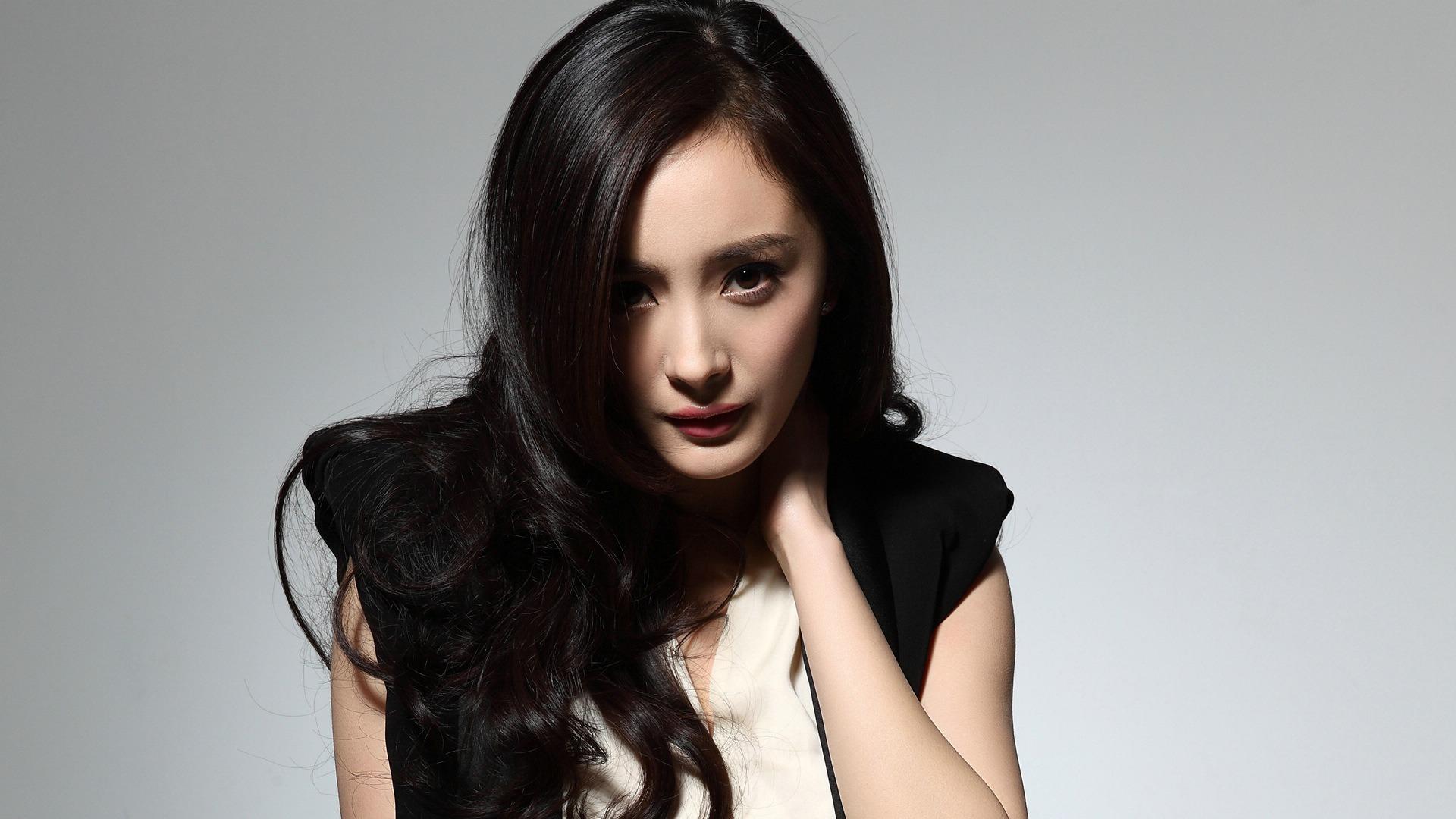杨幂 中国明星美女演员高清写真壁纸预览 10wallpaper Com