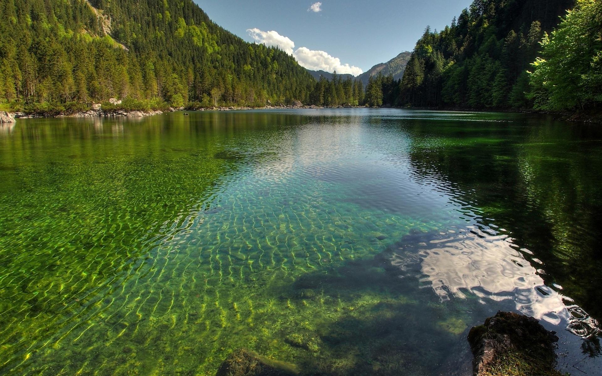 清水水晶湖-摄影HDR壁纸预览