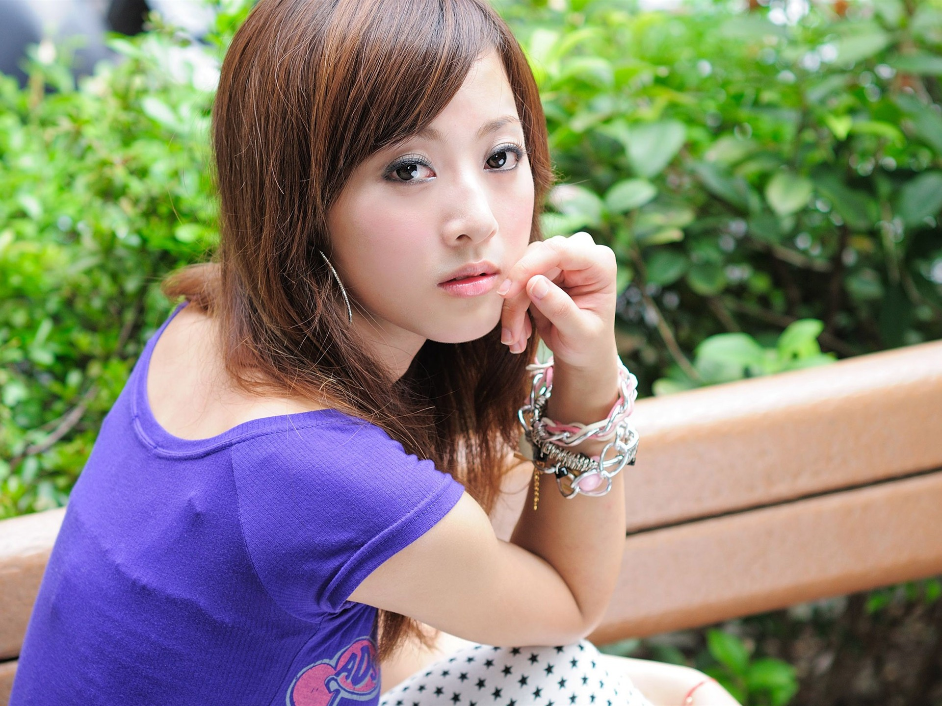 можем роскошные японки фото большая грудь стянута
