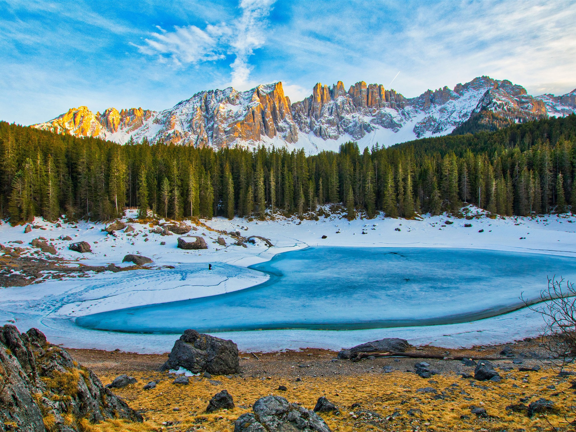Winter jungle snow mountains frozen lake - 1920x1440 wallpaper download