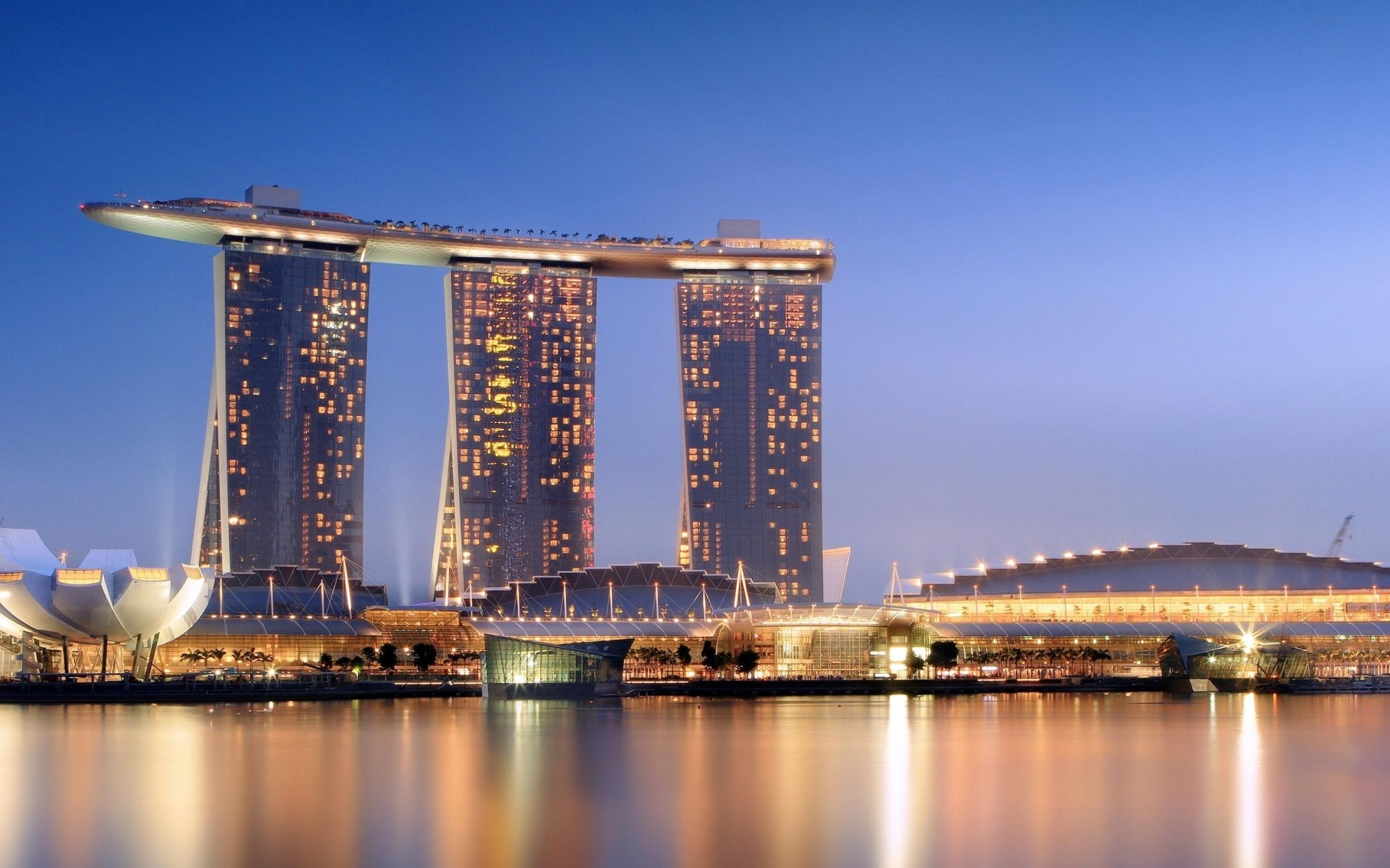 Singapore Hotel with Infinity Pool - Marina Bay Sands