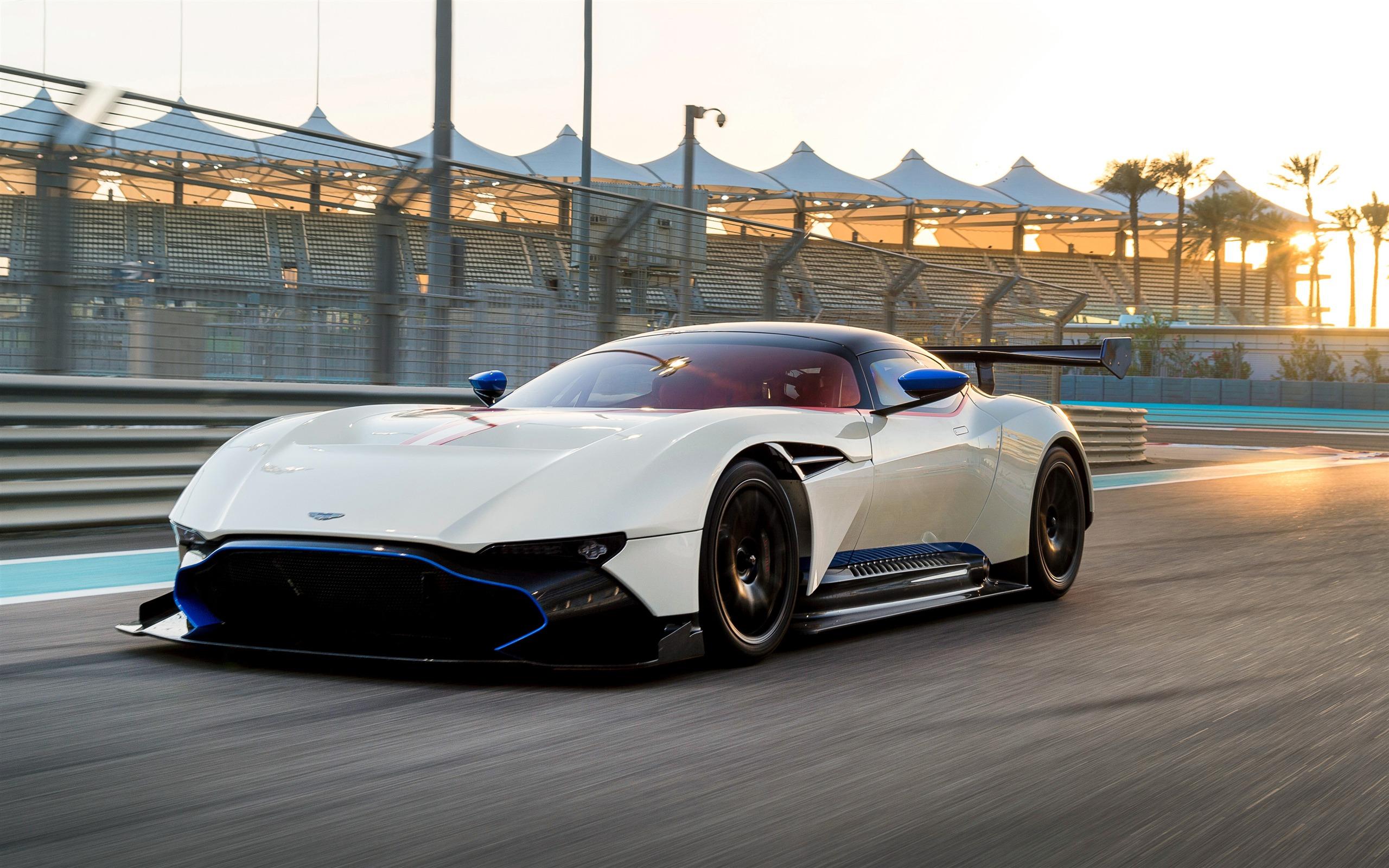 2018 White Aston Martin Vulcan 4k Photo Preview