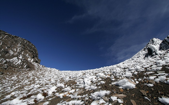 Taiwan Snow Mountain wallpaper04 Views:3780