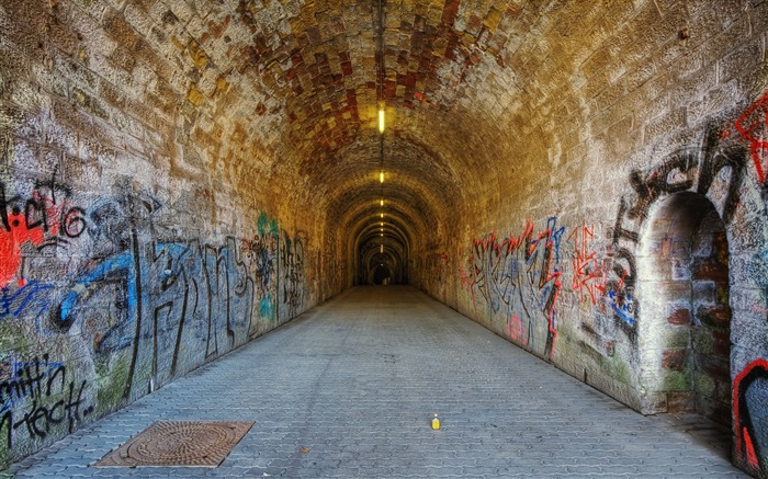 tunnel graffiti - urban landscape Saarbrucken Germany Views:0