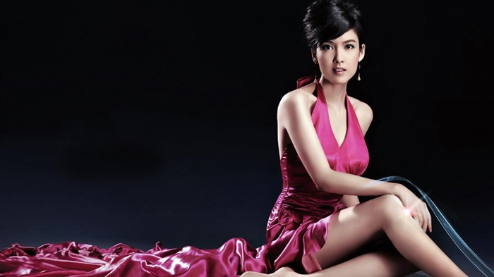 Lady head of the Hong Kong star Vivian Chow wallpaper Views:17275