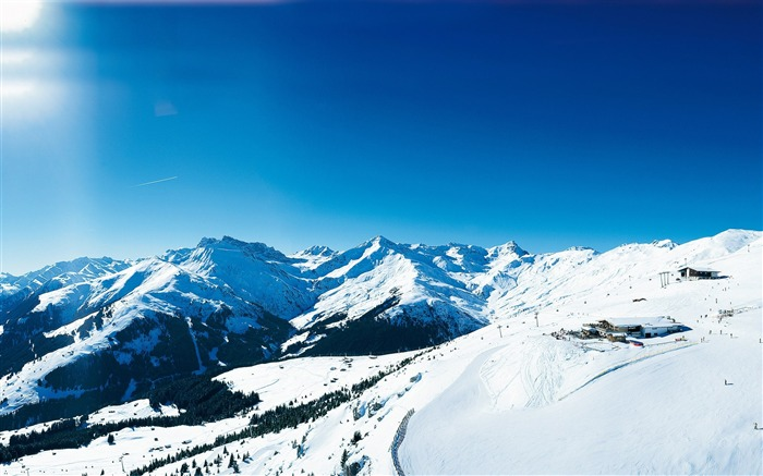 Panoramic View of Alps Ski Resort - Beautiful of Alps Snow Mountains Views:31400