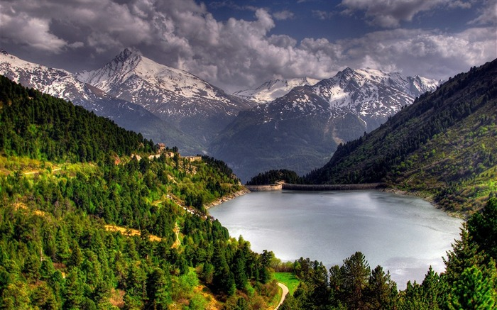 Photo Mountain Lake surrounded by green mountain and snowy mountain Views:6354