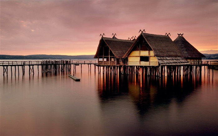 Photo beautiful reflection wooden house on water Views:8838