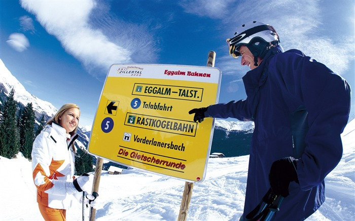 Sign Board For Tourist - Alpine Winter Vacation Views:3819