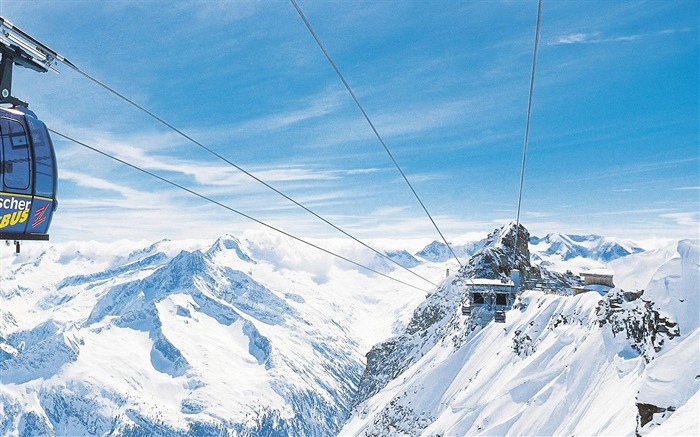 Ski-lift Cable Car in Sky - Alpine Winter Vacation Views:14928