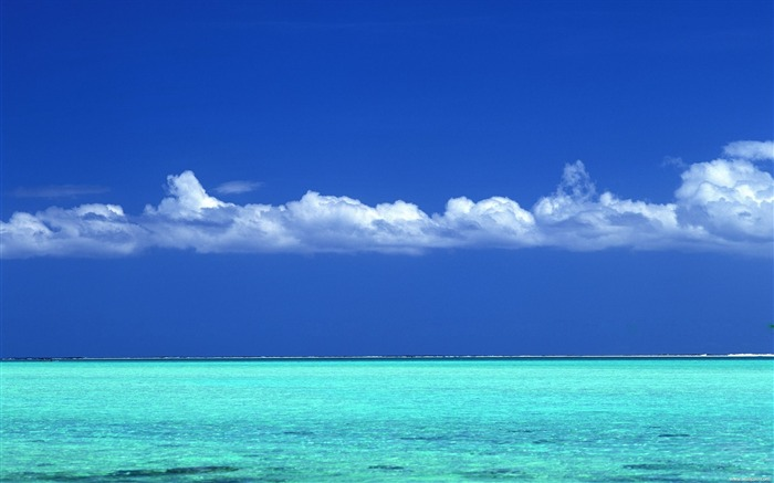 Tahitian turquoise sea and blue sky wallpaper Views:95698