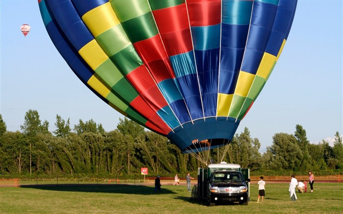 Colorful hot air balloons being launched Views:4698