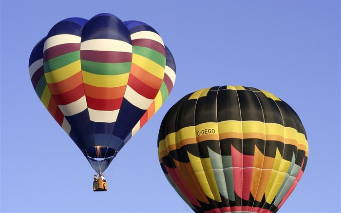 Colorful hot air balloons in sky 02 Views:5012