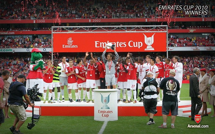 Emirates Cup 2010 - Winners Wallpaper Views:6760