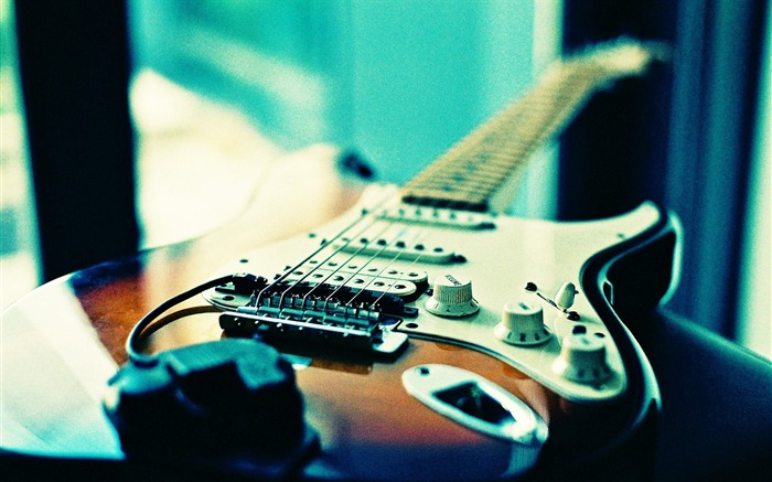 Guitar in Lomo  Beautiful Lomography Snapshots Views:23577