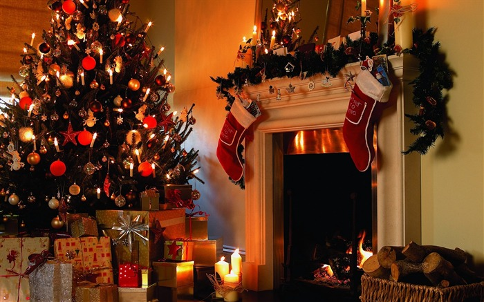 Photo- Decorative Christmas Fireplace- Decorating Fireplace mantel Views:75281